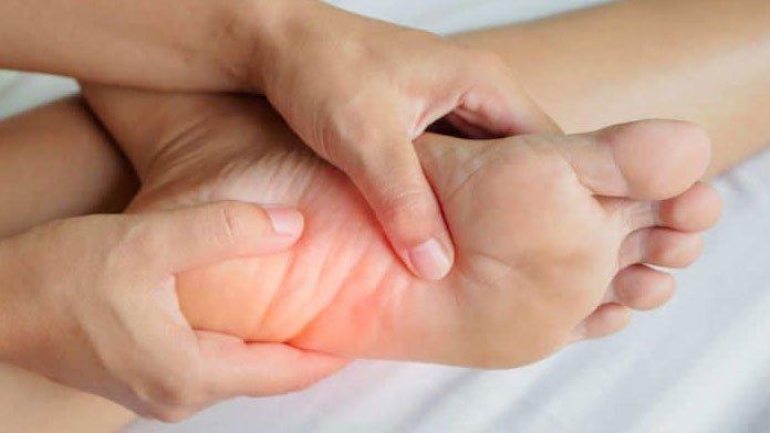 điều trị căng cơ bàn chân