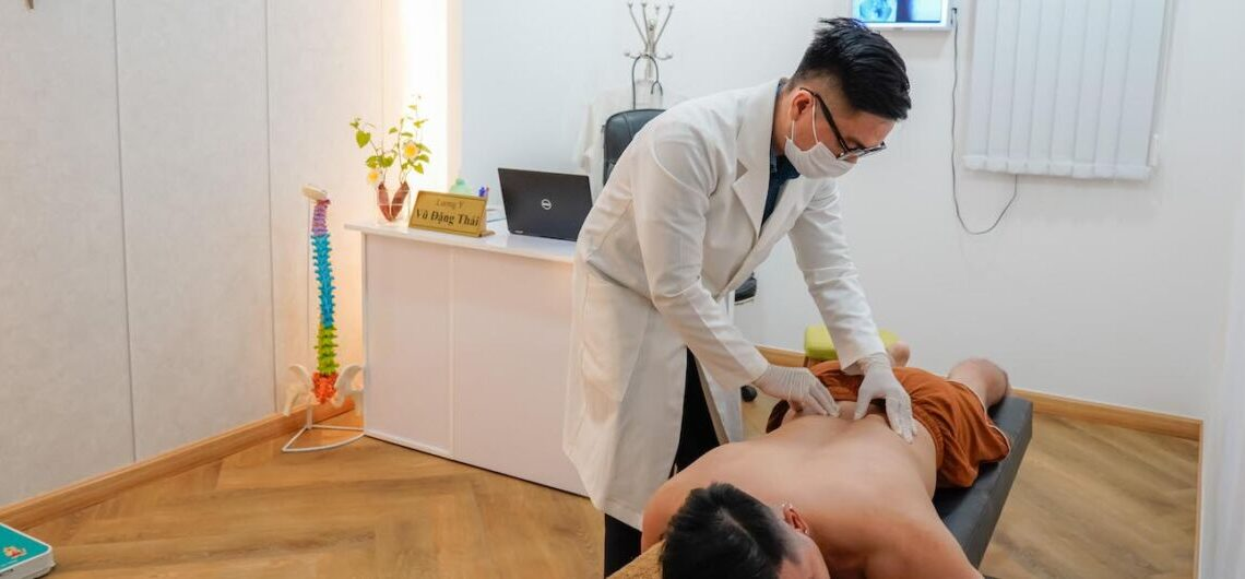massage trị liệu tân bình, ibone fisio hcm,